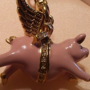 Juicy Couture  2010 Gold Tone When Pigs Fly Charm